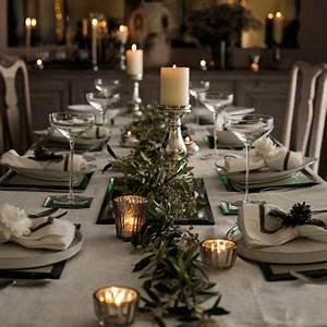 Best 25 Christmas table settings ideas on Pinterest