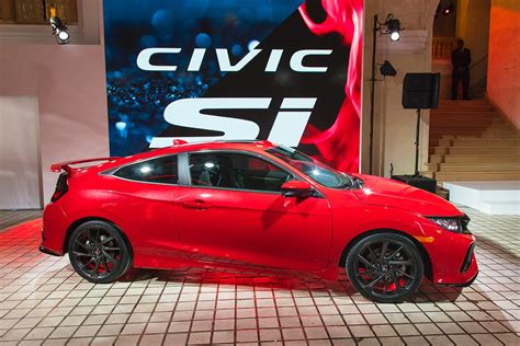 si鑒e auto hello the 2017 honda civic si prototype says hello to the at la auto