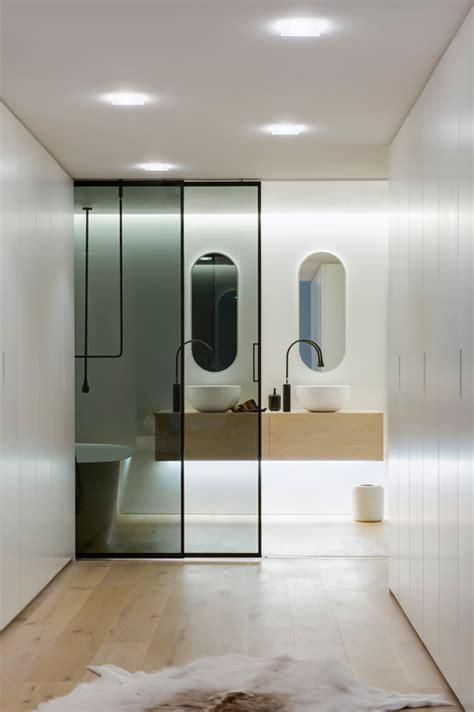 modern small bathrooms 2014 moderno uređena kupaonica u sklopu spavaće sobe mojstan net