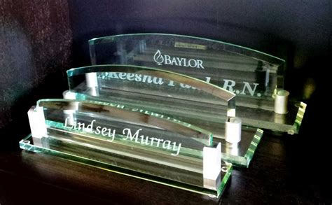 glass desk name plates personalized glass arch desk name plate images inc