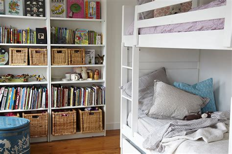 Helpful Hints For Decorating Bookshelves