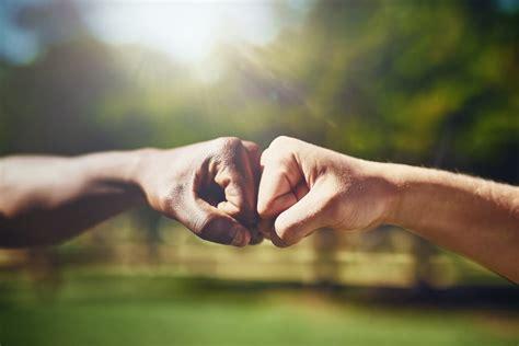 Bromance Die 10 Unzertrennlichsten Männerfreundschaften