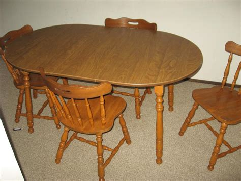 solid maple kitchen table and 4 chairs great shape central