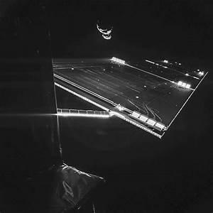 Rosetta Snaps 'Selfie' at Comet 67P/Churyumov–Gerasimenko ...