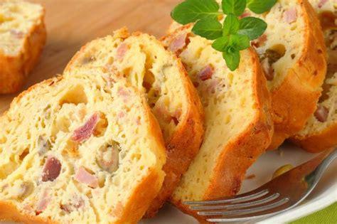recette cake sale au jambon  aux olives