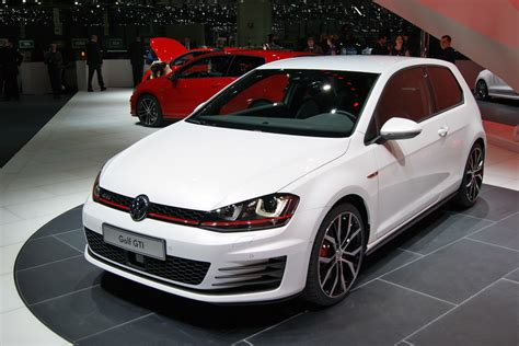 Vw Gti News new vw golf gti pictures auto express
