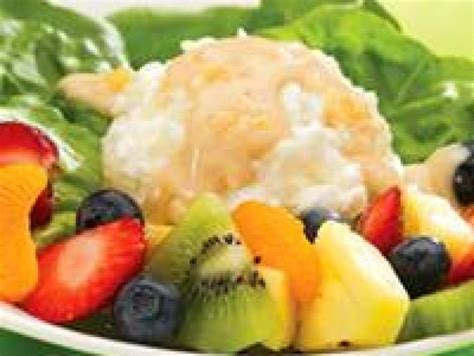 fruit and cottage cheese fruit and cottage cheese with peanut butter