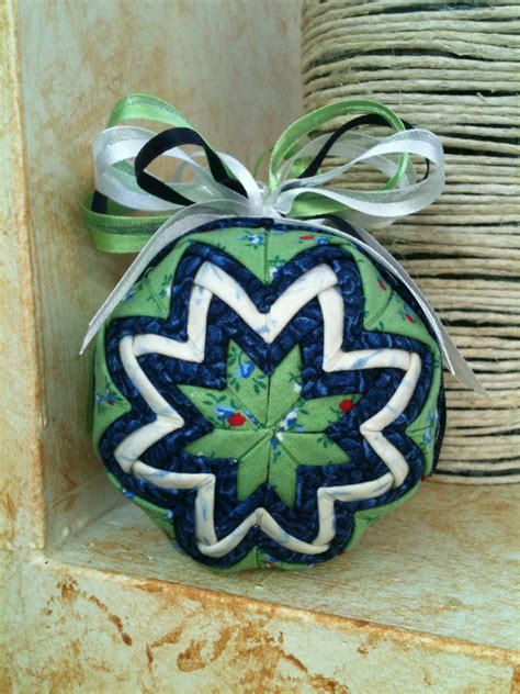 quilted folded fabric christmas ornament by quilterspantry