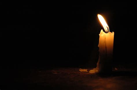 Kerzenwachs Auf Holztisch by Wachs Entfernen Holz Wachs Vom Holztisch Entfernen Wachs