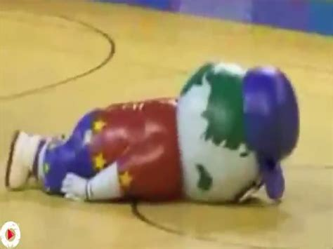 The Ultimate Mascot Fail Compilation Izismile Com