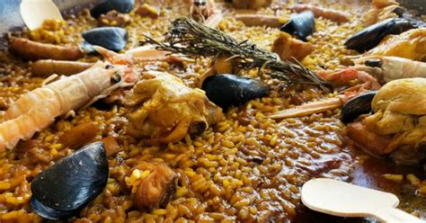Best Bites: Where to Eat Paella in Barcelona – Devour ...