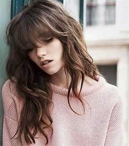 Frange Cheveux Long : photo 15 fa ons de porter la frange en 2017 la frange ~ Melissatoandfro.com Idées de Décoration