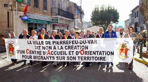 French towns protest plan to take in migrants from Calais ...
