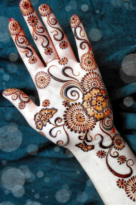 latest  designs  front hand mehendi designs fashion beauty mehndi jewellery blouse design