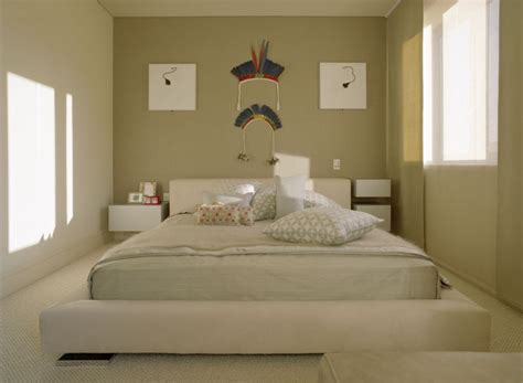 size bed for small room bed of king size in a small room mike davies s home interior furniture design blog