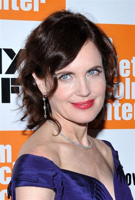 short wavy hairstyle  side swept bangs elizabeth mcgovern hairstyles hairstyles weekly