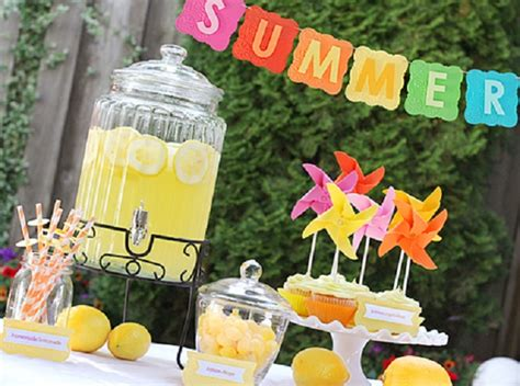 Summer Theme Baby Shower - 12 sweet summer baby shower themes