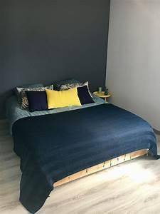 Chambre Gris Et Bleu : chambre adulte gris galet jaune bleu chambre chambre ~ Melissatoandfro.com Idées de Décoration
