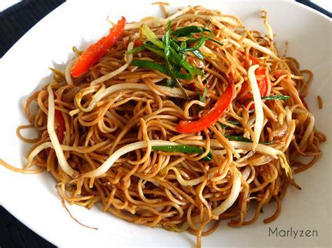 cuisiner les nouilles chinoises nouilles sautées aux germes de soja marlyzen cuisine