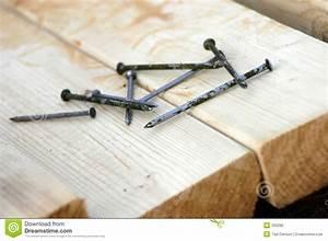 Clou De Charpente : bois de charpente et clous photographie stock image 300282 ~ Edinachiropracticcenter.com Idées de Décoration