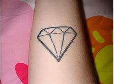 Tatouage Diamant Finest Tatouage Poignet Petit Diamant Par With