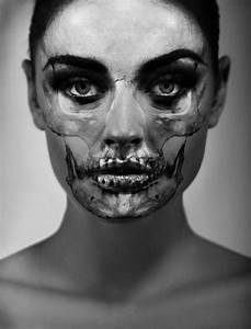 Skull portraits by carsten witte colossal for Skull portraits by carsten witte