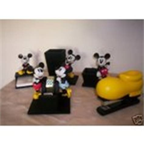 mickey mouse desk accessories disney minnie and mickey mouse desk set 5 pieces 04 24 2007