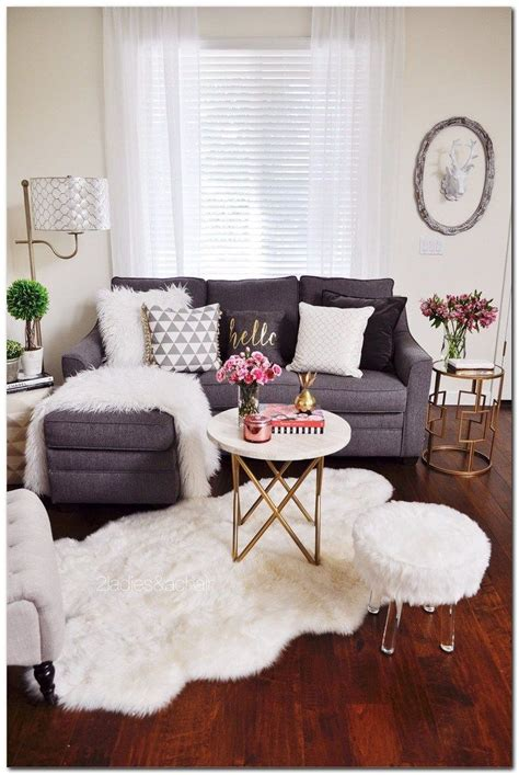 decorating small apartment ideas  budget small
