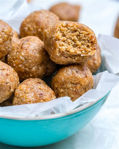 These Peanut Butter Protein Balls Are The Perfect Clean