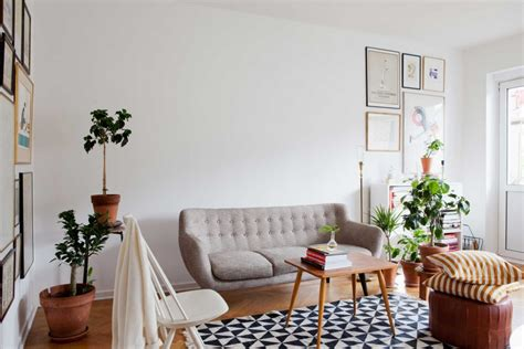 10 Happy Living Room Ideas With Plants
