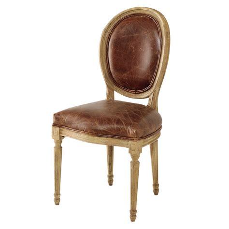 chaise en chêne massif chaise médaillon en cuir et chêne massif marron louis