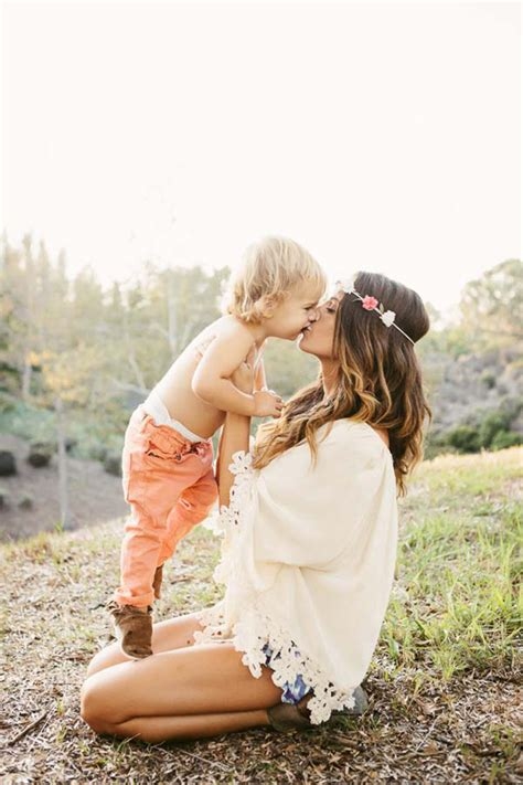 Gorgeous, Styled Outdoor Family Shoot  The Little Umbrella