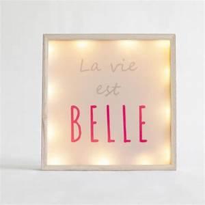 Cadre Message Lumineux : cadre lumineux carr la vie est belle blanc ~ Teatrodelosmanantiales.com Idées de Décoration