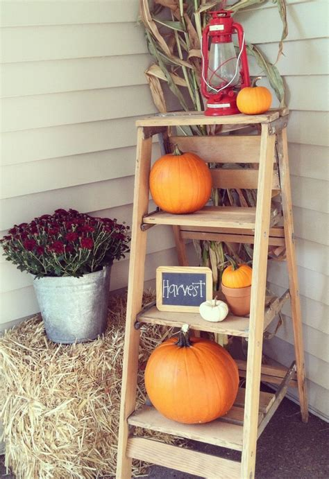 Decorating Ideas For Fall Outside by 20 Fall Front Porch Decorating Ideas