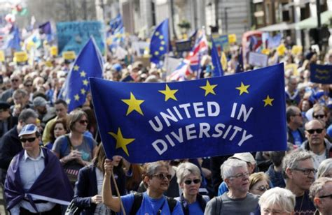 Thousands in London take to streets to protest Brexit plan ...
