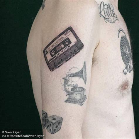 Pin de Tatuajes para hombres en Tatuajes de una sola aguja