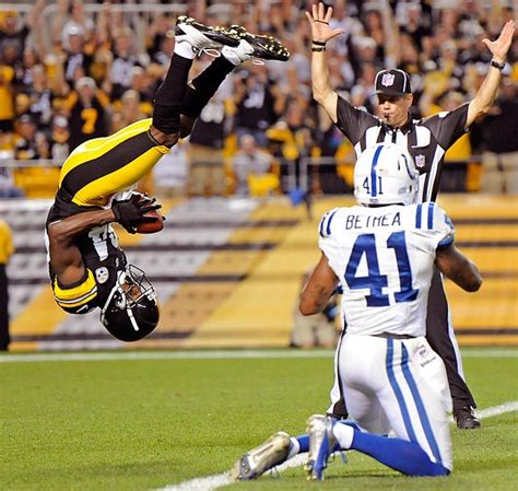 Pittsburgh Steelers wide receiver Antonio Brown shows off ...