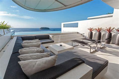 Oceanfront Villa Phuket  Three Bedroom Sky Pool Villa At