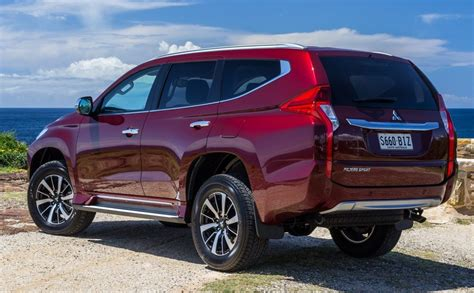 2019 Mitsubishi Montero Side High Resolution Picture New