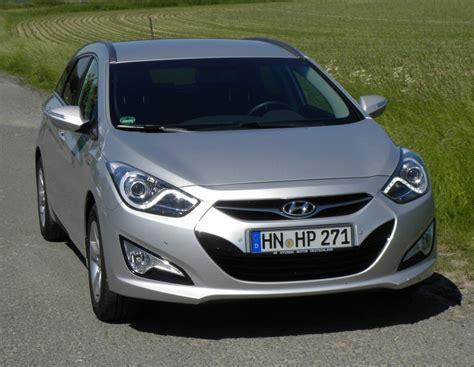 Dauertest Hyundai I40cw 1 7 Crdi Suzuki 1 2 2012 Zwischenstand by Hyundai I40cw Blue 1 7 Crdi Style Testbericht