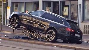 Latest Car Accident Of Audi Rs6 - Road