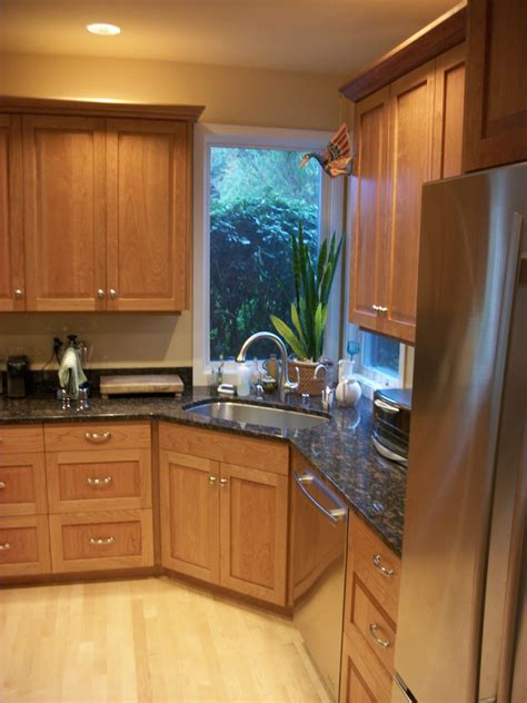Select Kitchen Cabinets by How To Select Your Kitchen Cabinet Material