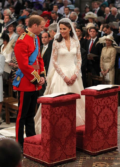 kate middletons wedding dress unveiled  simply
