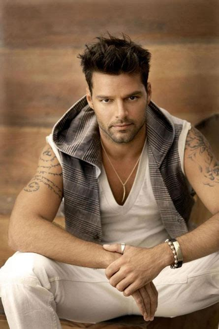 Ellyj Ricky Martin Is Gay