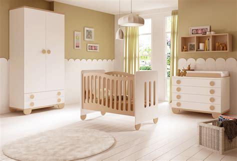 chambre bébé neutre chambre de bébé mixte gioco avec lit et armoire glicerio