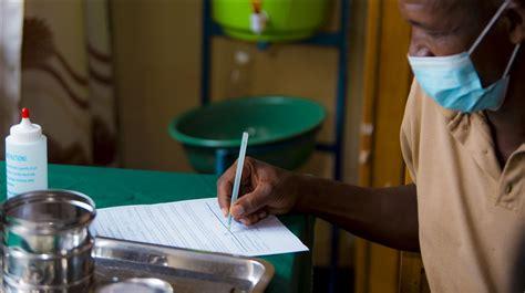 Rwanda halts coronavirus vaccination because of vaccine ...