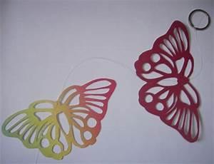 Schmetterlinge Aus Tonpapier Basteln : scherenschnitt bunte schmetterlinge als fensterdekoration basteln rund ums jahr ~ Orissabook.com Haus und Dekorationen