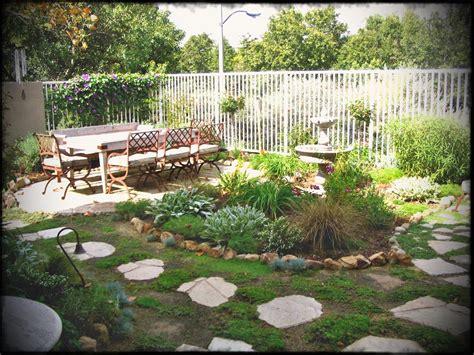 Small No Grass Yard On Dog Friendly Backyard Ideas