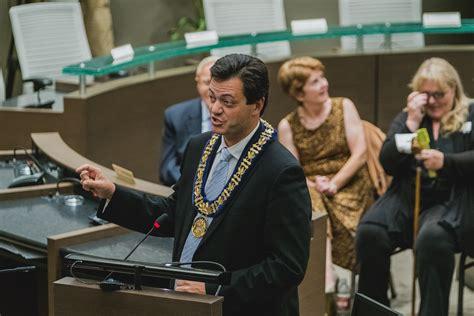 mayor jeff lehman shares at mayors 39 seat at city hall 6
