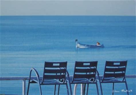 la chaise et bleu l histoire de la première chaise bleue brasil azur